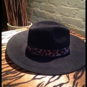 NEW! WYETH black wool cheetah hat